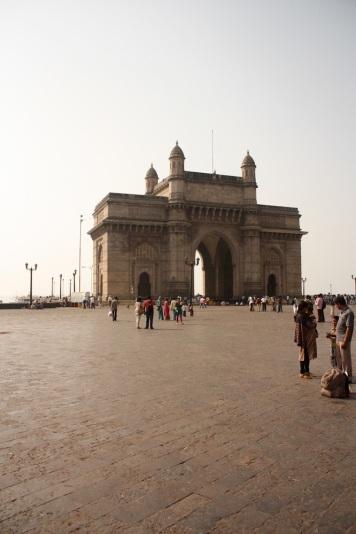 the imposing gateway of india!