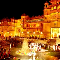 five best places to celebrate holi