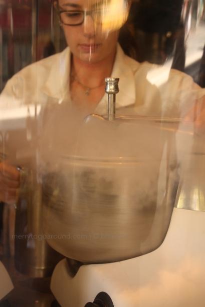Nitrogen makes me an icecream in a jiffy/