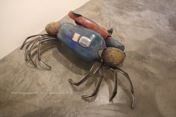 guess what this is? made from automobile parts... yes, a crab!