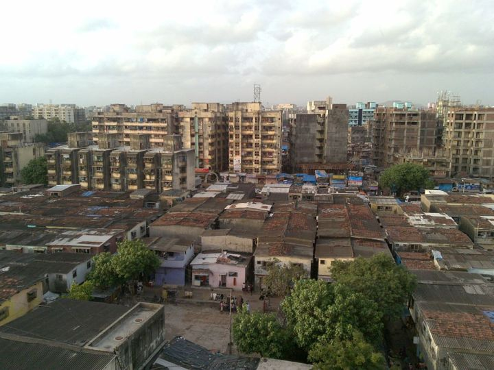 A part of the rehabilitation project... the next phases never took off... A contentious debate when it concerns Dharavi. There are always plans and more plans, but action? © Mark Hillary (Creative Commons)