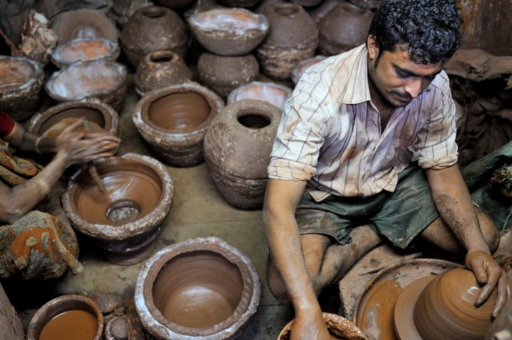 Pottery section at Dharavi © M M (https://www.flickr.com/people/43423301@N07)